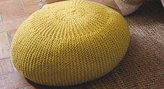 Un pouf � tricoter