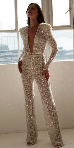 Trend 27 Wedding Pantsuit & Jumpsuit Ideas ♥ We offer to consider wedding pantsuit, which are so original. These pantsuits are ceremonial and feminine. Here are some modern designs to impress you! inspo make up Trend 27 Wedding Pantsuit & Jumpsuit Ideas Vestidos Vintage, Vintage Dresses, Wedding Pantsuit, Wedding Jumpsuit, Mode Outfits, Trendy Outfits, Glamorous Outfits, The Dress, Deep V Dress