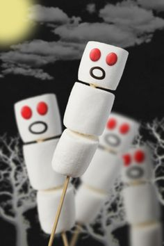 Spooky Marshmallows would look great in dollhouse miniature scale