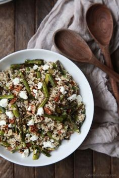 Creamy Goat Cheese Asparagus Quinoa Salad | Easy Dinner Recipes | Quick Easy Dinner Ideas | Easy Healthy Recipes