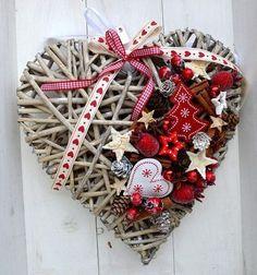By Éphémeride seasonal calender Christmas Hearts, Christmas Makes, Rustic Christmas, Winter Christmas, Christmas Wreaths, Christmas Gifts, Christmas Ornaments, Homemade Christmas Decorations, Xmas Decorations
