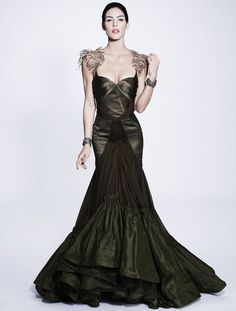 i'm so in love with this Zac Posen dress!  Though i like the brighter green one Crystal Renn wore better.