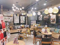 Exo Birthdays, Cafe Idea, Cup Sleeve, Cute School Supplies, Fans Cafe, Cafe Design, Kpop Aesthetic, Event Decor, Infinite