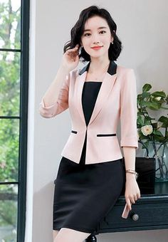 Women S Fashion Magazine Over 40 Classic Work Outfits, Chic Outfits, Blazers For Women, Suits For Women, Clothes For Women, Women's Fashion Dresses, Casual Dresses, Dresses For Work, Classy Suits