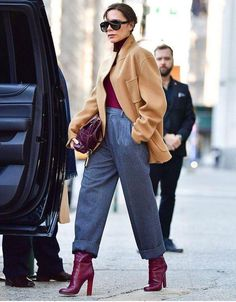 Street Style: Casual Chic Casual Look (Casual Chic) Herbst / Winter Damenhose - Tendances Mode 2018 - Victoria Beckham Outfits, Victoria Beckham Style, Looks Casual Chic, Looks Chic, Work Fashion, Trendy Fashion, Winter Fashion, Fashion Trends, Womens Fashion