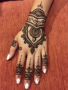 of the most popular cool Henna tattoos designs this year Cool Henna Tattoos, Henna Tatoo, Henna Tattoo Muster, Henna Mehndi, Mehendi, Mandala Tattoo, Tattoo Art, Arabic Henna, Mehndi Tattoo Hand