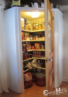 1000 images about food pantry on pinterest corner for Country kitchen pantry ideas