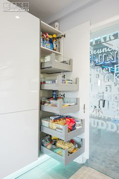 Kitchen Design, Design Inspiration, Modern, Studio, Closet, Home Decor, Houses, Cuisine Design, Trendy Tree