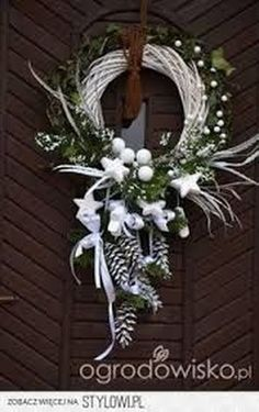 Wreaths, and Christmas decorations – page 74 – F … on Stylowi.pl Wianki, i dekoracje na Boże Narodzenie – strona 74 – F… na Stylowi. Christmas Swags, Holiday Wreaths, Rustic Christmas, Christmas Ornaments, Diy Christmas, Winter Wreaths, Spring Wreaths, Summer Wreath, Holiday Door Decorations