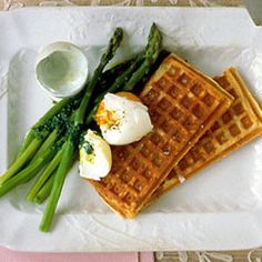 Closely related to potato pancakes, the potato waffle has one advantage-it reheats exceptionally well and therefore can be made in advance. Serve with your favorite brunch foods, such as soft-boiled eggs and steamed asparagus.