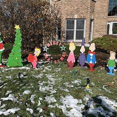 Whoville Christmas, Grinch Who Stole Christmas, Christmas Yard Art, Christmas Gifts For Boys, Christmas Wood, Christmas Crafts, English Christmas, Winter Christmas, Christmas Ideas