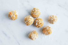 A classic makeover - these carrot cake bliss balls are a delicious addition to anyone's snack box. Lunch Box Recipes, Cereal Recipes, Dog Food Recipes, Lunch Ideas, Protein Bites, Protein Ball, Yummy Snacks, Delicious Desserts, Sweet Potato Patties