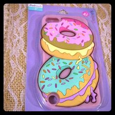 IPod Touch IPhone 5 donut phone case Haha, I bought this, distracted by the doughnuts, and I don't have a 5 anyway, bran new, never opened nothing wrong Claire's Accessories Phone Cases Ipod 5 Cases, Ipod Touch Cases, Cute Phone Cases, Iphone Cases, Iphone 5c, Claires Phone Cases, Claire's Accessories, Cool Gadgets To Buy, Kd Shoes