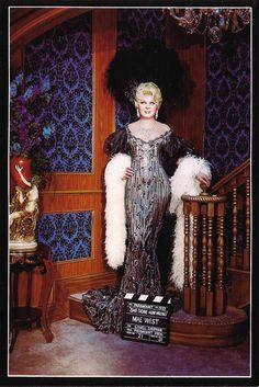 Vintage Movie Legend Mae West Wax Statue Postcard