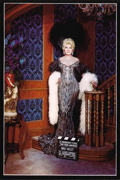 Vintage Movie Legend Mae West Wax Statue Postcard