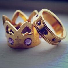 Vera Wang Princess Rings Very beautiful. Not real gold. Very fashionable. brand new. Size 7/7.5. Vera Wang Jewelry Rings