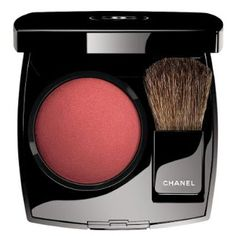 For Fall 2016, Chanel Le Rouge · Collection N°1  explores the abstract and expressive resonances of the colour red while reconfiguring its...
