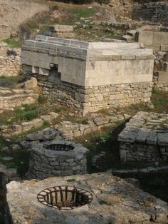 Would love to see this! Ancient City of Troy : A new archaeological team will be headed to Troy to see if new technologies and further explorations can lead to new knowledge of the ancient site. Ancient Troy, Ancient Ruins, Ancient Artifacts, Ancient Greece, Ancient History, Ancient Buildings, Ancient Architecture, City Of Troy, Site Archéologique