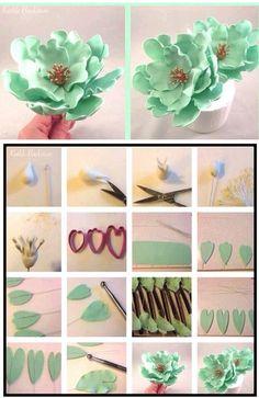 56 super ideas for cupcakes fondant flores gum paste Sugar Paste Flowers, Icing Flowers, Fondant Flowers, Paper Flowers, Fondant Icing, Fondant Cakes, Cupcake Cakes, Car Cakes, Chocolate Fondant
