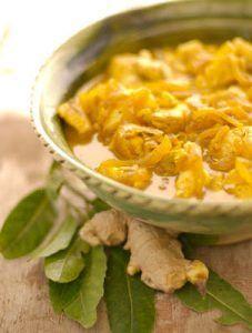 My ma kon vir jou die heerlikste kerrievis maak. Ons het oor Paastyd dit geniet en veral as ons oppad was met vakansie. Ons het dan langs die pad gestop, ja, by daardie wit gekalkte bankies wat onder die wilger- en die popelierbome gestaan het. South African Recipes, Ethnic Recipes, Fish Recipes, Recipies, Fish And Seafood, Thai Red Curry, Macaroni And Cheese, Sushi, Food And Drink