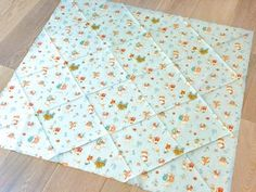2in1 Baby Sleeping Bag : 11 Steps (with Pictures) - Instructables Bow Pillows, Small Pillows, Baby Wrap Blanket, Cute Borders, Baby Shower Bingo, Baby Warmer, Baby Wraps, New Things To Learn, Sleeping Bag
