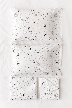Super cute moon sheets for adults, Allover Moons Sheet Set Twin Xl Sheet Sets, King Sheet Sets, Twin Xl Sheets, Toddler Sheet Set, Bedding Sets Online, Luxury Bedding Sets, Modern Bedding, Unique Bedding, Cute Bedding