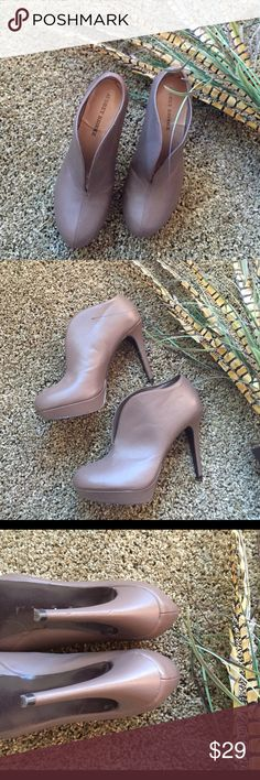 """Audrey Brooke Perry Bootie Size: 8 . Faux leather, Almond toe ½"""" platform, 4¾"""" heel. Worn only a handful of times! Super cute & chic with skinnys ! True to size. Audrey Brooke Shoes Ankle Boots & Booties"""