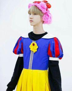 13 Avril, Mingyu, Kpop Boy, Handsome Boys, Playing Dress Up, Persona, Boy Groups, Girl Group, Wonderland