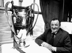 Bob Paisley after winning the European Cup agains Club Bruges. Liverpool Fc Managers, Liverpool Football Club, Bob Paisley, Bill Shankly, European Cup, West Bromwich, Personalised Photo Mugs, Modern Frames, Management