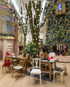Bonpoint is glad to be a part of the #ChristmasDreamatPrintemps with a special pop-up shop in the Atrium. Discover our enchanted cabin in the trees and an exclusive lifestyle and accessory collection #BonpointxPrintemps #popupstore #christmas