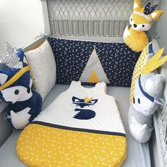 Little cunning fox, navy blue, gray bumper and mustard - Baby Crib Bumpers, Baby Cribs, Cunning Fox, Diy Sewing Projects, Crib Bedding Sets, Baby Boy Rooms, Kids And Parenting, Kids Rugs, Toddler Bed