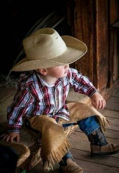 Ideas Baby Boy Outfits Country Little Cowboy - Baby dress elegantal_title] Little Cowboy, Cowboy Baby, Cowboy And Cowgirl, Little Boys, Cowboy Humor, Camo Baby, Lil Boy, Baby Boys, Baby Pictures