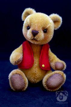 Lemon Butter by Wayneston Bears #waynestonstudios #bearshop #artsandcrafts #artistbear #bearartist #teddybear #singaporehandmade #handmadesingapore #waynestonbears #craftmaterials #craftsuppliessg #mohair #teddybearmaterial #teddy #winniethepooh