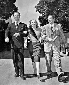 David Bruce, Deanna Durbin & Dan Duryea during the production of - Lady On A Train It Movie Cast, Movie Tv, Vintage Hollywood, Classic Hollywood, Lady On A Train, Authors, Writers, Train Movie, George Brent