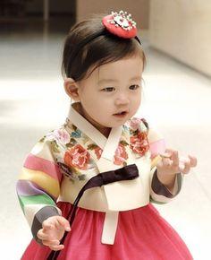 Korean Clothes A Booming Market Korean Traditional Dress, Traditional Fashion, Traditional Dresses, Korean Fashion Trends, Korea Fashion, Korean Dress, Korean Outfits, Hanbok Wedding, Modern Hanbok