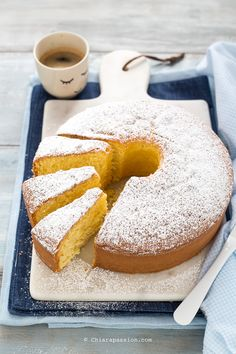 Ciambellone soffice | Chiarapassion Mexican Dessert Recipes, Yogurt Cake, Biscuits, Plum Cake, Sweets Cake, Bakery Recipes, Eat Dessert First, Something Sweet, Sweet Desserts