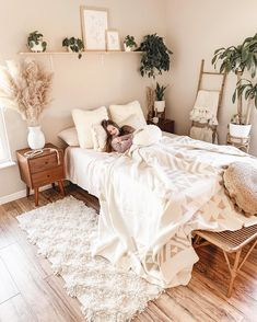 I have the day off work tomorrow and I have no idea what to do with myself 😅 Room Ideas Bedroom, Home Decor Bedroom, Master Bedroom, Bedroom Inspo, Bedroom Designs, Boho Chic Bedroom, Bedroom Rugs, Stylish Bedroom, Boho Bed Room