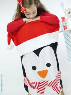 North Pole themed Christmas Holidays breakfast ideas for Christmas morning! Cute DIY ideas for the family table decor, food, drinks and activities to keep the kids amused! Christmas Morning, Christmas Holidays, Christmas Decorations, Party Themes, Party Ideas, Diy Ideas, North Pole Breakfast, Snow Party, Penguin Party