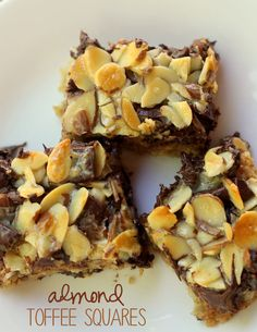 Almond Toffee Bars - A great version of magic bars filled with toffee, chocolate, oats and more! Dessert Dips, Dessert Recipes, Almond Toffee, Magic Bars, Toffee Bars, Sweet Bar, Eat Dessert First, Bar Cookies, Cookie Bars