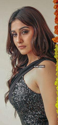 Bhavana Actress, Hot Images Of Actress, Regina Cassandra, Bollywood Girls, India Beauty, Camisole Top, Beautiful Women, Actresses, Tank Tops