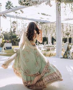New Lehenga, Green Lehenga, Indian Bridal Fashion, Indian Bridal Wear, Lehenga Color Combinations, Wedding Lehanga, Sikh Bride, Wedding Mood Board, Wedding Hair