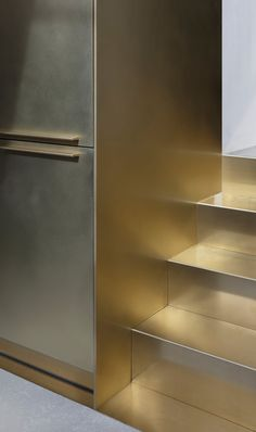 brass home accessories home accessories homeaccessories Brass Staircase Design Brass Kitchen, Kitchen Cabinetry, Architecture Details, Interior Architecture, Store Concept, Art Deco Tiles, Joinery Details, Interior Stairs, Yacht Interior