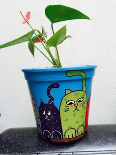 Decorated Flower Pots, Painted Flower Pots, Painted Pots, Flower Pot Crafts, Clay Pot Crafts, Fun Crafts, Bee Painting, Bottle Painting, Pottery Painting Designs