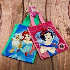 Disney Princess Bags New snow white little mermaid Kids Play Beach Toys Gift Mermaid Kids, The Little Mermaid, Disney Clothes, Disney Outfits, Disney Worlds, Disney On Ice, Beach Toys, Kids Bags, Girls Accessories