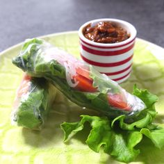 Katie shows you how to make these Spring Rolls, Cambodian Style! Katie shows you how to make these Spring Rolls, Cambodian Style! Vegetarian Recipes, Cooking Recipes, Healthy Recipes, Vegetarian Spring Rolls, Vegan Spring Rolls, Sushi Recipes, Aperitivos Vegan, Cambodian Food, Cambodian Recipes