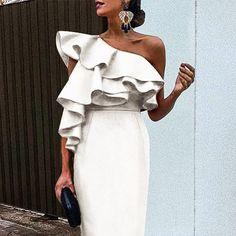 White Chic Ruffles One-Shouldered Bodycon Dress White Chic Rüschen One-Shouldered, figurbetontes Kleid – Maxsislly Sexy Dresses, Vintage Dresses, Fitted Dresses, Party Dresses, Strapless Dress, Bodycon Dress, Fall Chic, Outfits Mujer, White Chic