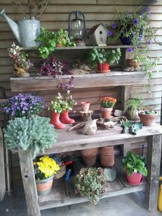 Angie's Potting Bench (I feel like the name above fits perfectly to why I Rustic Potting Benches, Potting Tables, Garden Benches, Garden Junk, Garden Pots, Box Garden, Garden Shed Exterior Ideas, Palette Deco, Pergola Kits