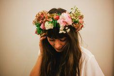 Global PR Spokesperson Nor Toma in her favourit flower bar making a hair wreath, Freunde von Freunden