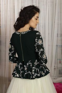 Peplum Top Outfits, Crop Top Dress, Indian Lehenga, Indian Gowns, Indian Wear, Kids Blouse Designs, Kurtha Designs, Mehndi Designs, Gown Party Wear