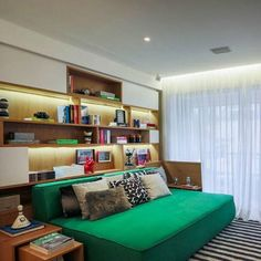 The return of the sofa bed in the decoration Home Bedroom, Bedroom Decor, Bedrooms, Bed Design, House Design, Piece A Vivre, House Rooms, Small Apartments, Home And Living